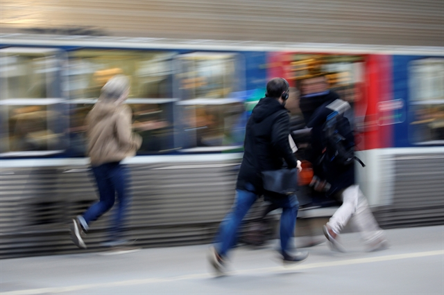 Ταξίδια πιο αργά αλλά περισσότερο οικολογικά | tovima.gr