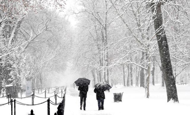 Βυθισμένες στο χιόνι παραμένουν οι ΗΠΑ   tovima.gr