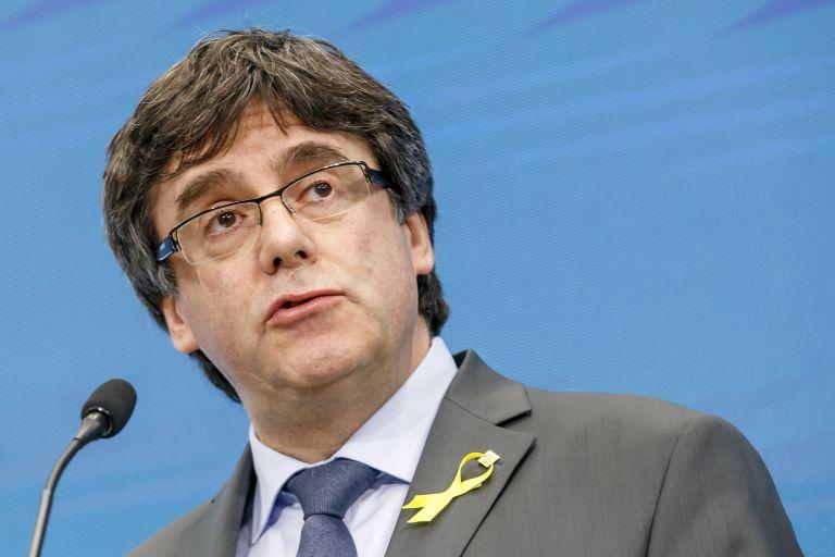 Το Kαταλανικό κοινοβούλιο στηρίζει τον πρώην πρόεδρο Κάρλες Πουτζδεμοντ   tovima.gr