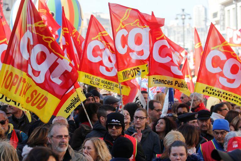 Γαλλία: Συνεχίζεται η απεργία των σιδηροδρομικών | tovima.gr