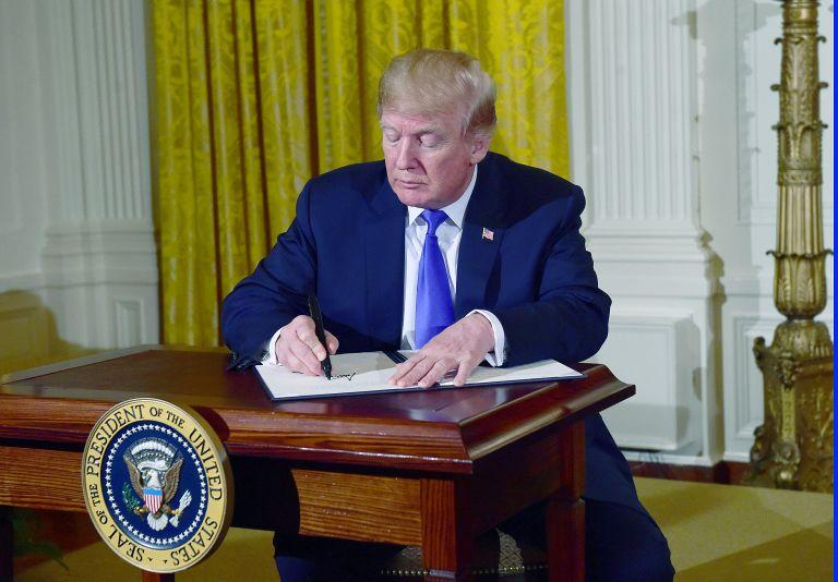 Στόχος Τραμπ ο διευθυντής της CIA επί Ομπάμα | tovima.gr