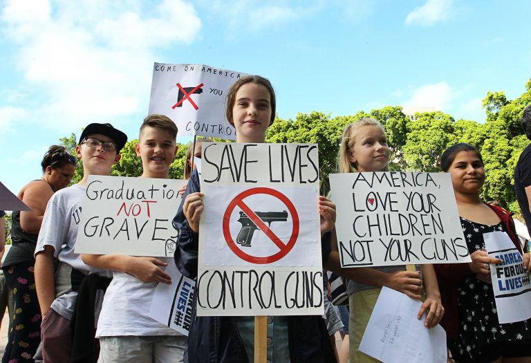 ΗΠΑ: Φοιτητές και μαθητές διαδηλώνουν εναντίον των όπλων | tovima.gr