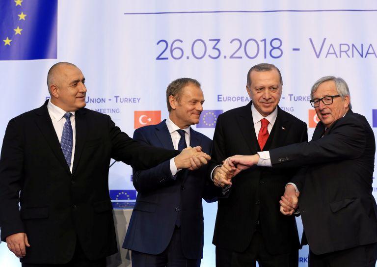 Tusk, Juncker pressure Erdogan at EU-Turkey summit | tovima.gr