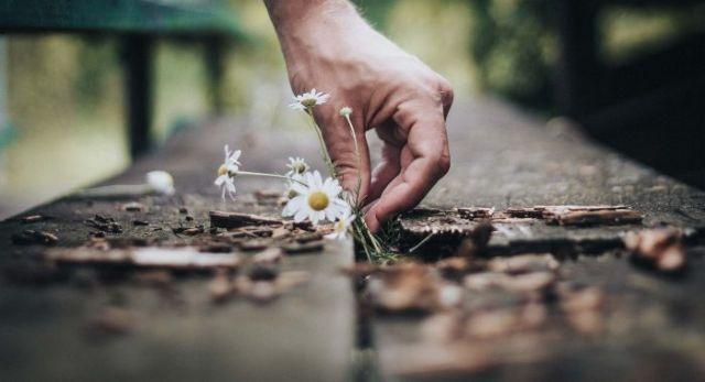 Επιδείνωση των συμπτωμάτων της κατάθλιψης τη Άνοιξη | tovima.gr