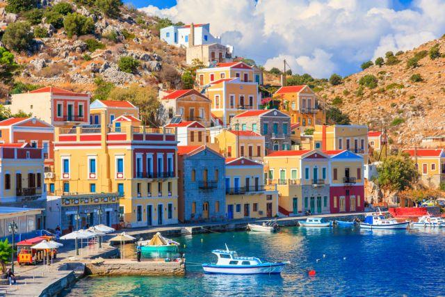 Κρυστάλλινα yachts και ταπεινά βαρκάκια | tovima.gr