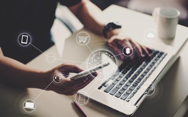Μεγαλύτερη διαφάνεια στις ηλεκτρονικές αγορές για τους πολίτες της ΕE   tovima.gr
