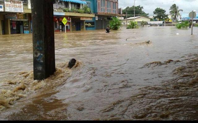 Φονικός τυφώνας σαρώνει τα νησιά Φίτζι | tovima.gr