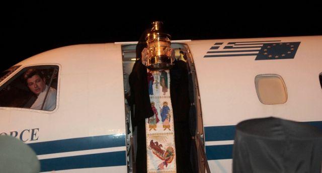 Μεταφορά του Αγίου Φωτός με AEGEAN και Olympic Air | tovima.gr