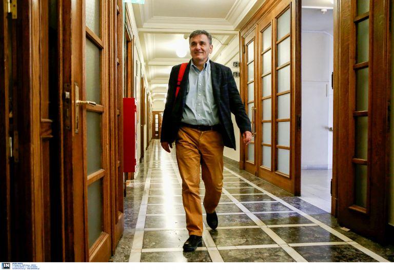Οργή Τσακαλώτου για την κατηγορία ότι Συριζαίοι φώναζαν να «καεί, να καεί το μπ… η Βουλή» | tovima.gr