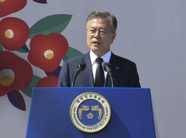 Συναντήθηκαν οι αντιπροσωπείες Νότιας και Βόρειας Κορέας | tovima.gr