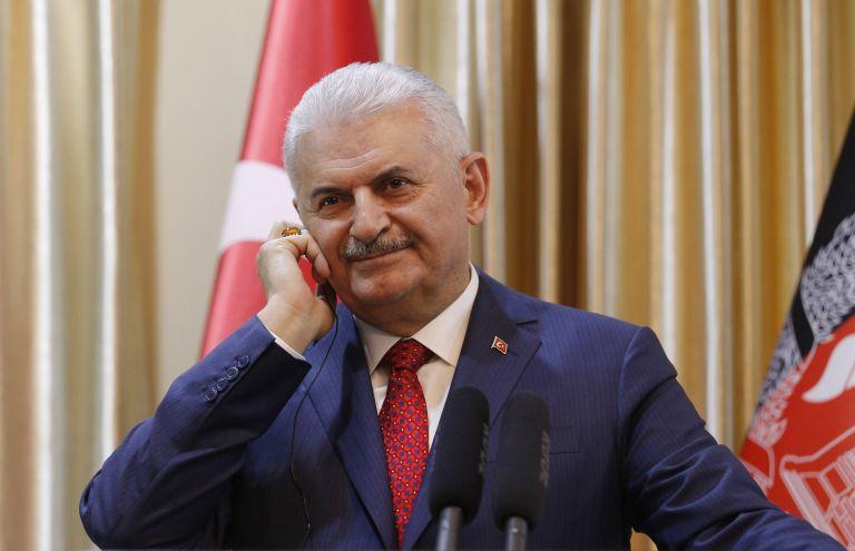 Yildirim says Turkish Coast Guard removes Greek flag from islet | tovima.gr