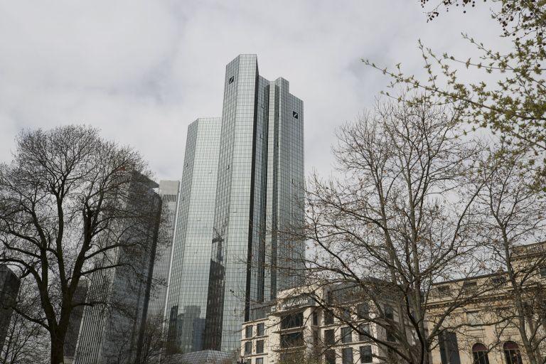 Η νέα αλλαγή φρουράς στην Deutsche Bank απειλεί την… επενδυτική τραπεζική | tovima.gr