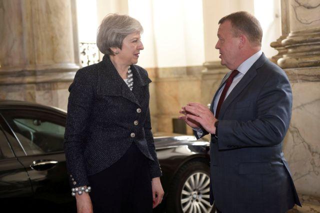 Δεν αποκλείει δράση κατά της Συρίας η Βρετανία | tovima.gr