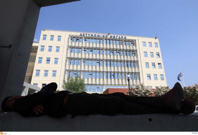 Θεσσαλονίκη: Στο αυτόφωρο ο άνδρας που περιέλουσε βενζίνη σε συμβολαιογράφο | tovima.gr