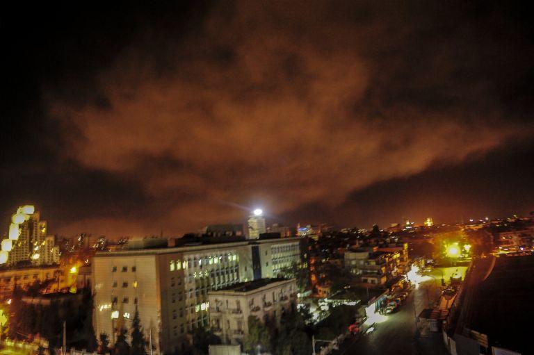 Μαξίμου: Η κρίση να επιλυθεί διά της διπλωματικής οδού | tovima.gr