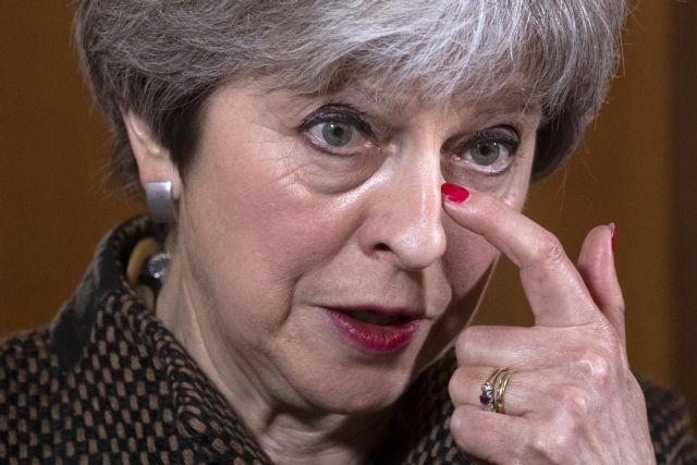 Αντιμέτωπη με το βρετανικό κοινοβούλιο η Μέι για τις επιθέσεις στην Συρία | tovima.gr
