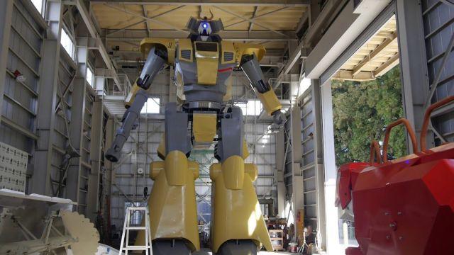 Ρομπότ «γίγας» ύψους 8,5 μέτρων! | tovima.gr