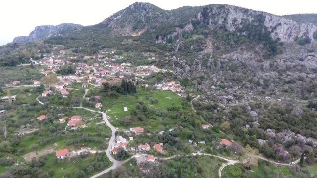 Σοβαρά προβλήματα στην Κρυοπηγή Πρέβεζας από το κατολισθητικό φαινόμενο | tovima.gr
