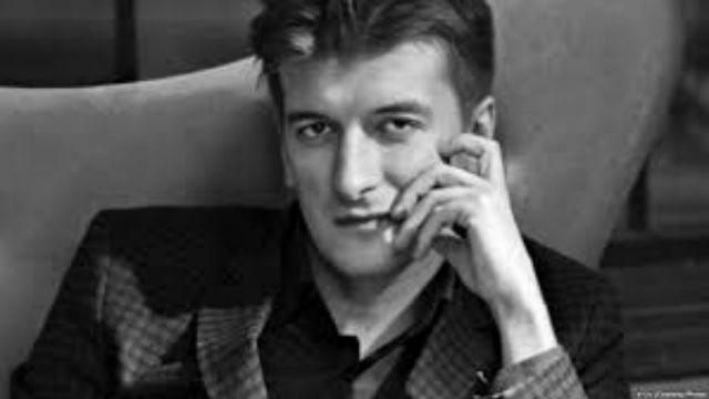 Ρωσία: Θάνατος δημοσιογράφου από μυστηριώδη πτώση | tovima.gr