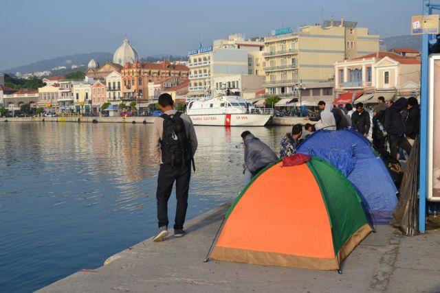 Μέχρι τέλος του έτους ο μειωμένος ΦΠΑ στα πέντε νησιά του Αιγαίου | tovima.gr