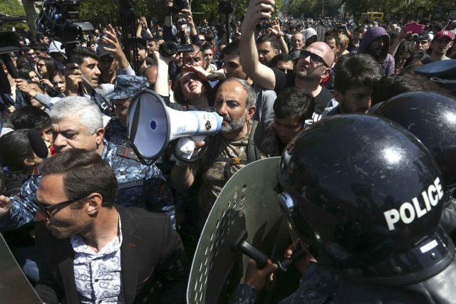 Αρμενία: Συνεχίζονται οι διαδηλώσεις κατά του νέου πρωθυπουργού   tovima.gr