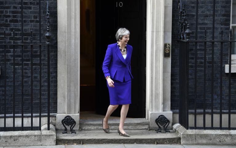 Ηττα της Μέι από τη Βουλή των Λόρδων για το Brexit   tovima.gr