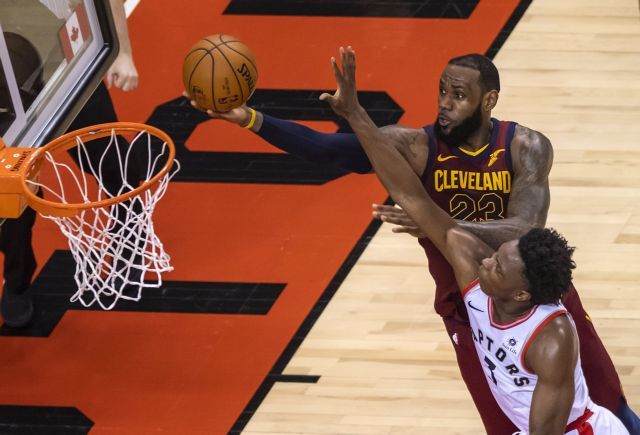 NBA: Έφτασε στο triple double ο ΛεΜπρόν – Επέστρεψε ο Κάρι   tovima.gr