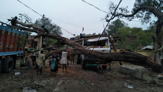 Ινδία: Oι αμμοθύελλες προκάλεσαν 77 θανάτους και 143 τραυματισμούς | tovima.gr