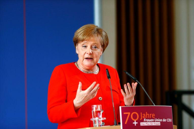 Μέρκελ: Θα βρούμε κοινό έδαφος με Γαλλία για μεταρρύθμιση της Ευρωζώνης | tovima.gr