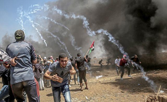 Γαλλικά ΜΜΕ: Ο «εμπρηστής» Τραμπ «φυσάει τα κάρβουνα» στη Γάζα | tovima.gr