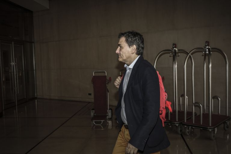 Αισιοδοξία στην κυβέρνηση και γκρίνια από τους θεσμούς μετά την πρώτη ημέρα των διαπραγματεύσεων για την αξιολόγηση | tovima.gr