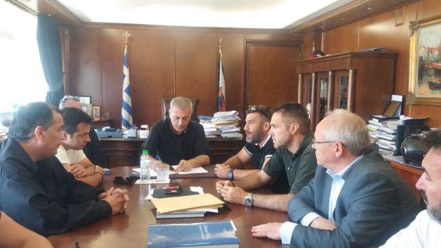 Πειραιάς: Καθυστέρηση στην πρόσληψη προσωπικού στην καθαριότητα | tovima.gr