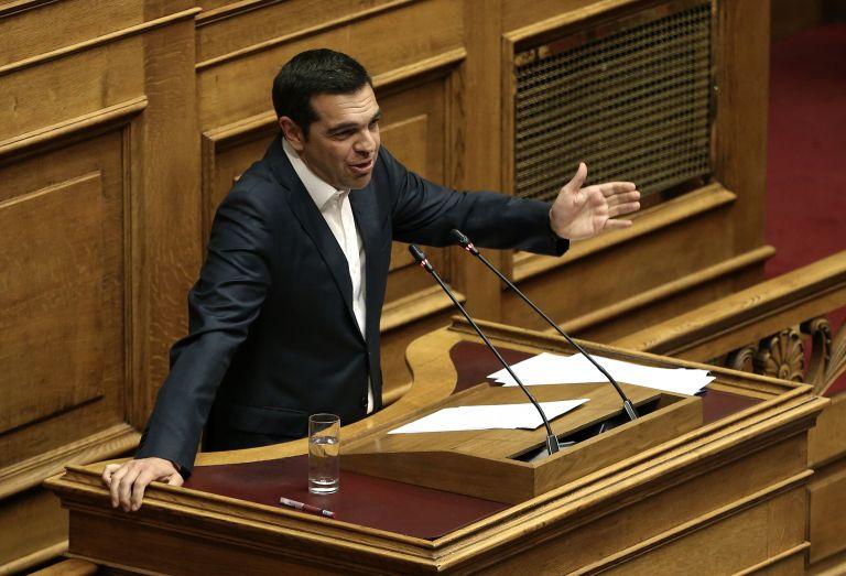 «Ρελάνς» Τσίπρα σε Μητσοτάκη: Εξήγγειλε ψήφο στους Έλληνες του εξωτερικού που έφυγαν μέσα στην κρίση | tovima.gr