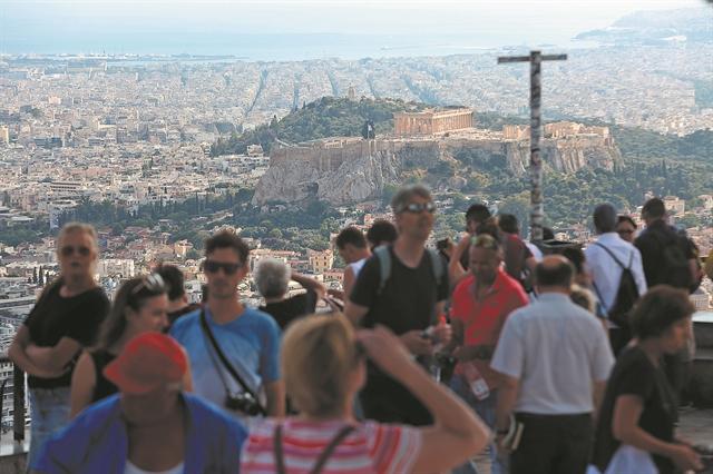 «Ανοίγει πανιά» η τουριστική σεζόν | tovima.gr