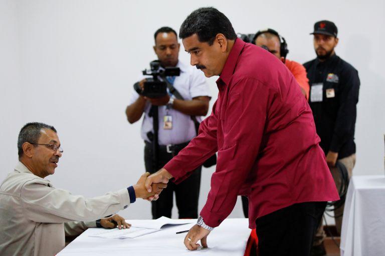 Βενεζουέλα: Σε εξέλιξη οι εκλογές – Φαβορί ο Μαδούρο | tovima.gr