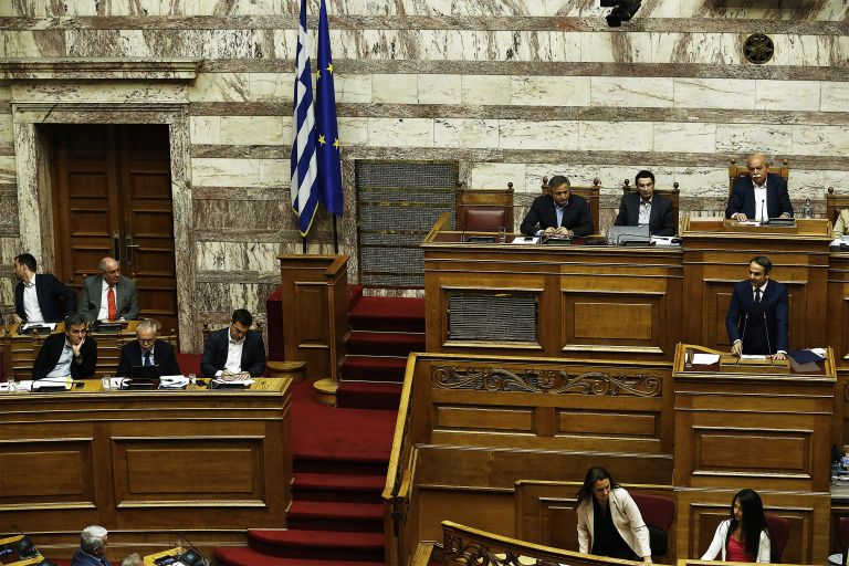Duel between Mitsotakis, Tsipras over post-bailout economy, surge in crime | tovima.gr