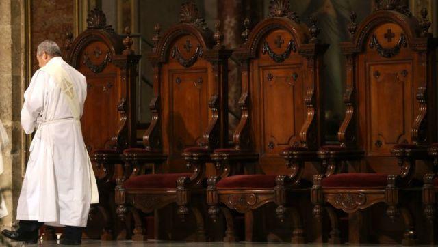 Χιλή: Σε διαθεσιμότητα 14 καθολικοί ιερείς για ακατάλληλη συμπεριφορά | tovima.gr