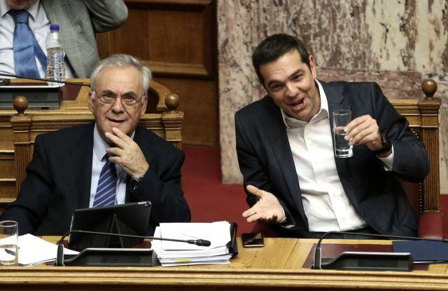 Ευρωπαϊκό «φρένο» στα τερτίπια της κυβέρνησης για τις συντάξεις | tovima.gr