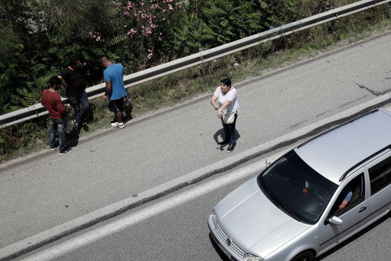 Διακινητές τράκαραν με φορτηγό στην Εγνατία Οδό μετά από καταδίωξη | tovima.gr