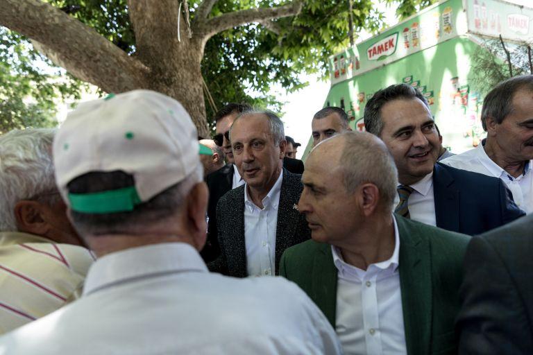 Ο Ιντζέ έθεσε ζήτημα ανταλλαγής των δύο ελλήνων στρατιωτικών με τους «8» | tovima.gr