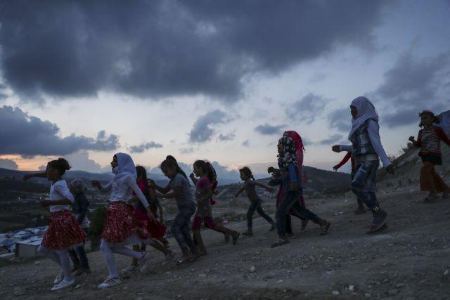 Απομάκρυνση αμάχων από πολιορκημένα χωριά στη Συρία | tovima.gr