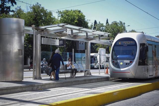Ξεκίνησαν οι δοκιμές τραμ από Φάληρο προς Πειραιά | tovima.gr