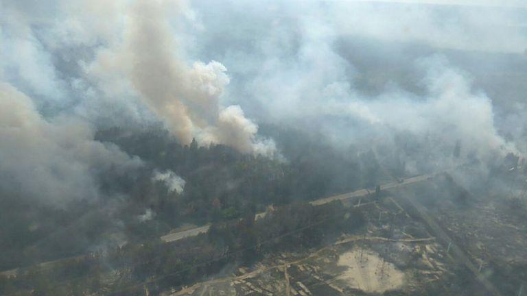 Ουκρανία: Φωτιά κοντά στον πυρηνικό αντιδραστήρα του Τσερνόμπιλ   tovima.gr