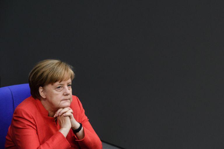 Μέρκελ: Θα βρεθεί μια καλή λύση για την ελάφρυνση του ελληνικού χρέους | tovima.gr