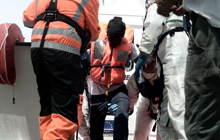 Τουλάχιστον 100 οι νεκροί σε νέο πολύνεκρο ναυάγιο ανοιχτά της Λιβύης | tovima.gr