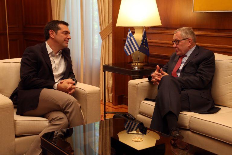 Ρέγκλινγκ σε Τσίπρα: Η ολοκλήρωση του προγράμματος θα είναι μια πολύ μεγάλη επιτυχία | tovima.gr