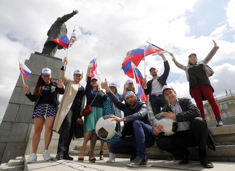 Μουντιάλ 2018: Ουρές από φιλάθλους στο μαυσωλείο του Λένιν | tovima.gr