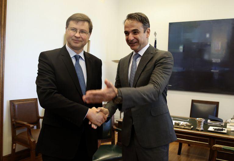 Διμερή και ευρωπαϊκά θέματα στη συνάντηση γερμανού πρέσβη –Κυρ. Μητσοτάκη | tovima.gr