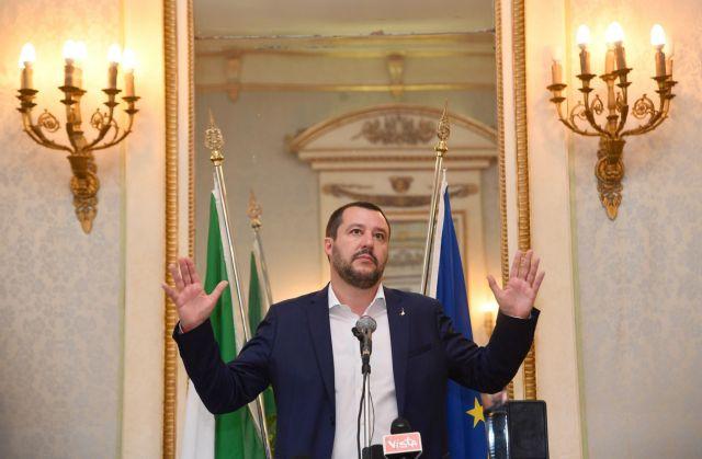 Ιταλία: Σύγκρουση Σαλβίνι με τις ΜΚΟ που διασώζουν πρόσφυγες και μετανάστες στη Μεσόγειο. | tovima.gr