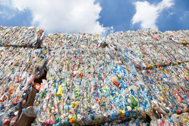 Δύο βήματα μπροστά, ένα πίσω για την ανακύκλωση | tovima.gr